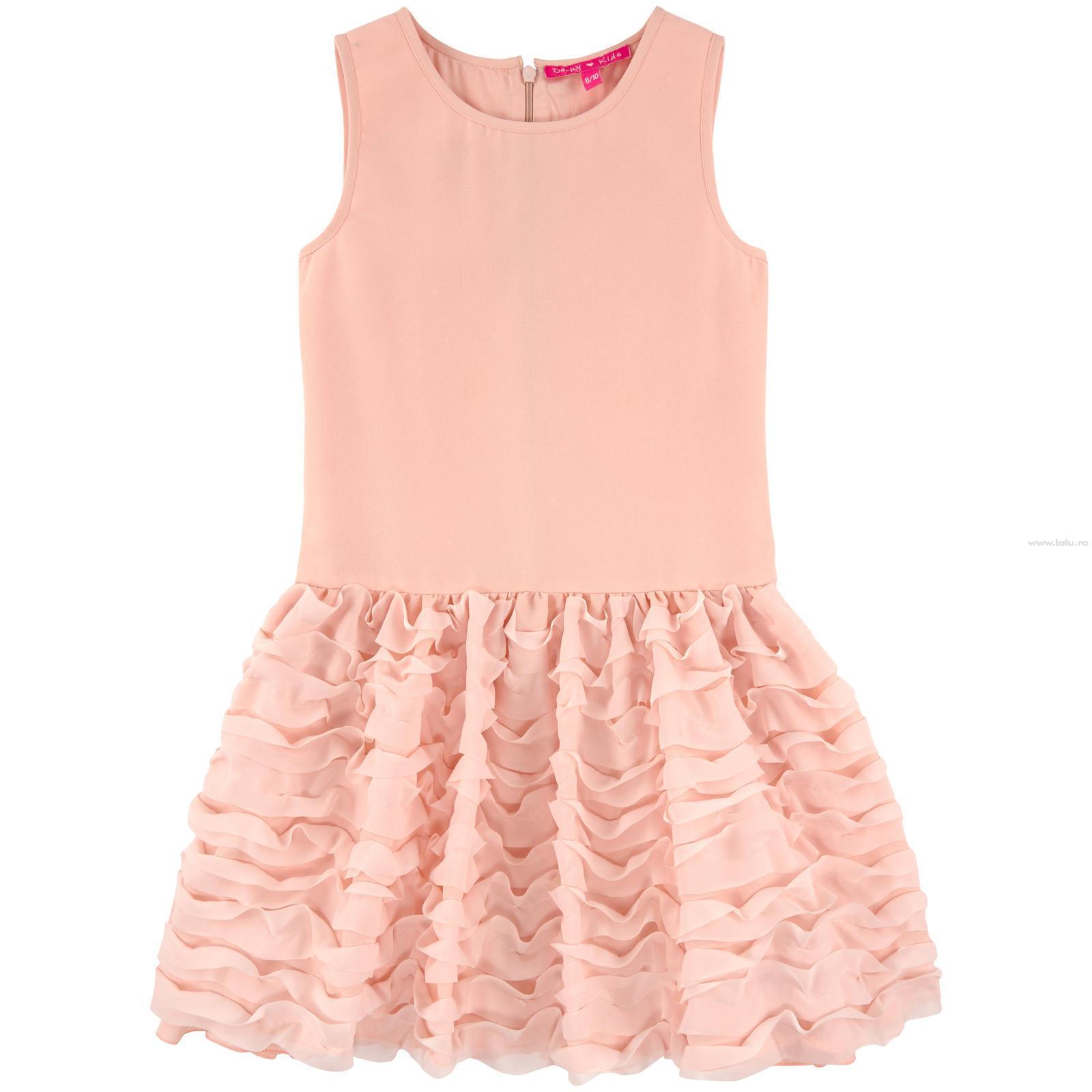 Hainute elegante copii, potrivite pentru botez sau pentru alte ocazii speciale. Toate hainutele Atelier Bebe pot fi modificate si personalizate la cerere.